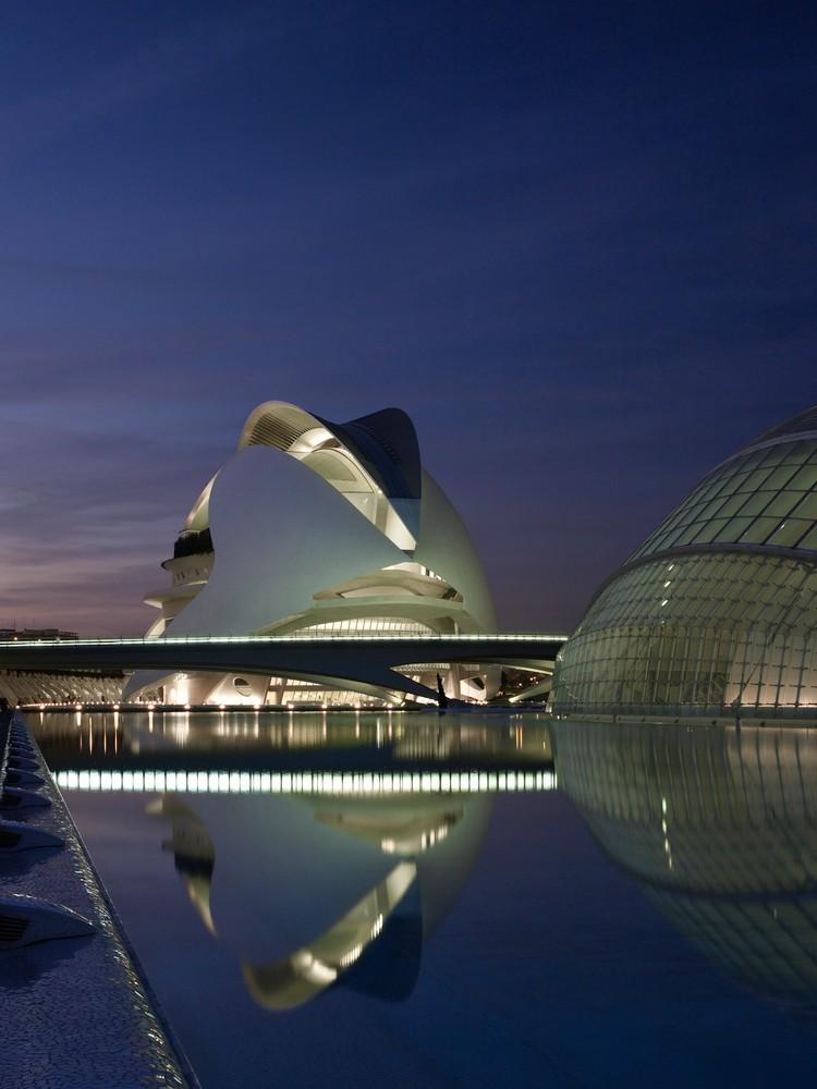 西班牙含苞绽放的瓦伦西亚歌剧院-5