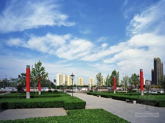 [四川]广场主体建筑、装饰工程劳务分包合同(22页)