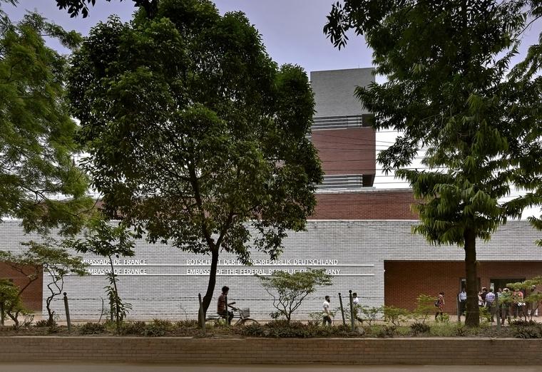 北京剪力墙结构单元式高层住宅楼防雷接地工程施工方案