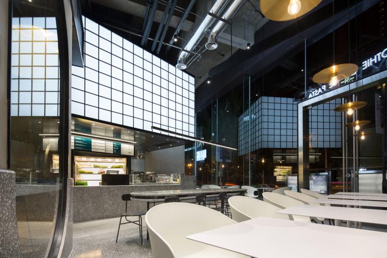 武汉逆时针旋转的盒里轻食餐厅室内实景图 (3)