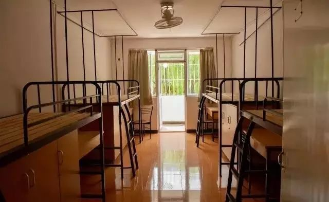 学习了四年的室内设计,居然拿学校宿舍开刀了!