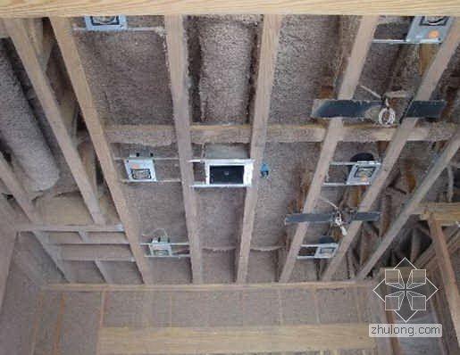 福建某火车站站房顶棚及墙面吸音喷涂施工方案
