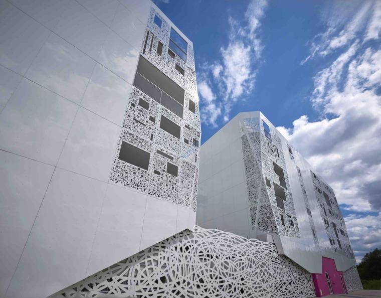 法国花式隔热混凝土的公寓楼外部实景图 (4)