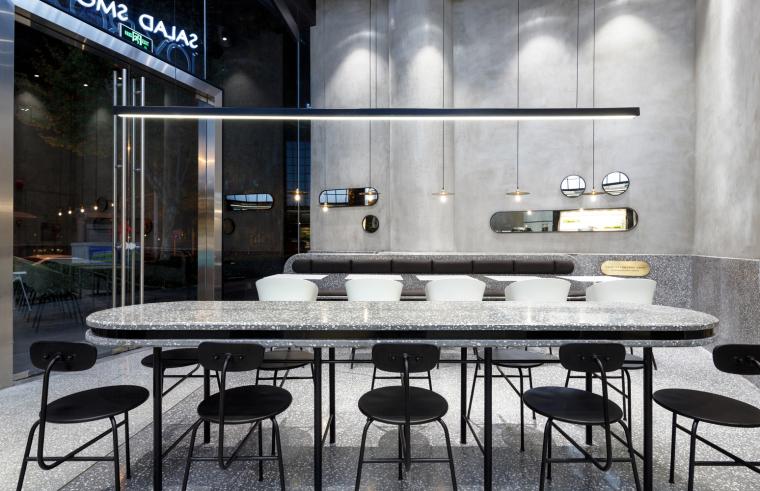 武汉逆时针旋转的盒里轻食餐厅室内实景图 (1)
