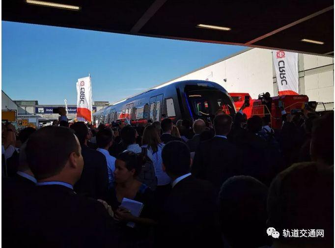 中国中车:新一代碳纤维地铁车辆全球发布!_10