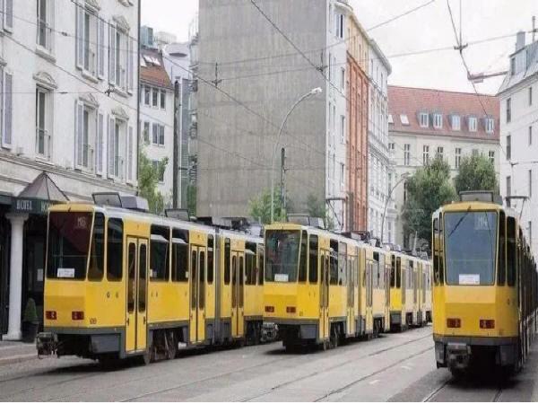 多制式各国城市轨道交通协调发展之路——复兴中的有轨电车