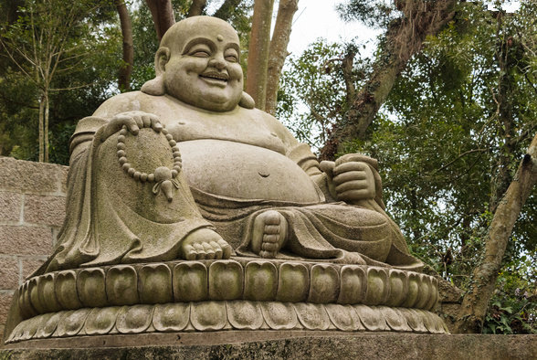 福建石雕厂家讲述大型寺院古建恭造大肚弥勒佛摆件的制作标准-86deb071ly1fx9d384nwvj20gc0ayjw3