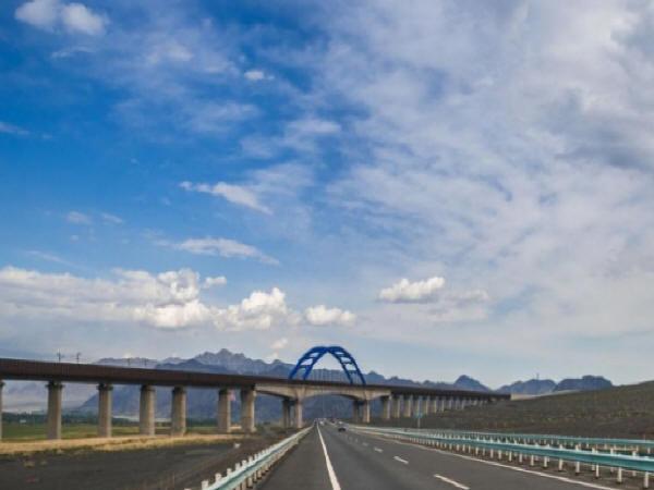 公路桥梁过渡段施工技术探讨