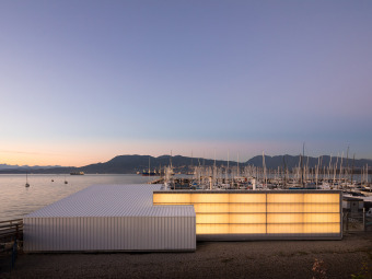 码头与海水交融的多功能建筑
