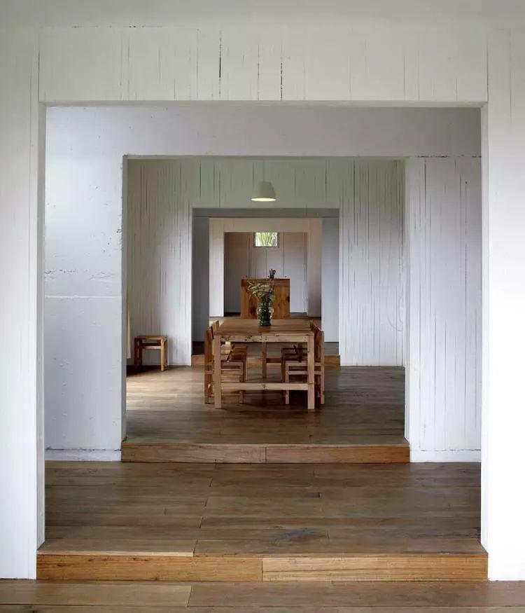 这个智利建筑事务所设计房子,几乎像是一场方形、圆形或其他元素_7