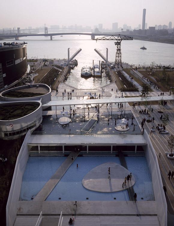 东京丰州LaLaport码头休闲区景观设计_5