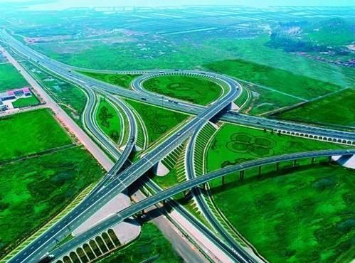红土地上的绿色路——绿色公路技术在广西高速公路的应用