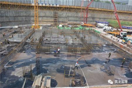 底板大体积混凝土施工工艺技术及监理控制重点,超高层地标建筑!_2