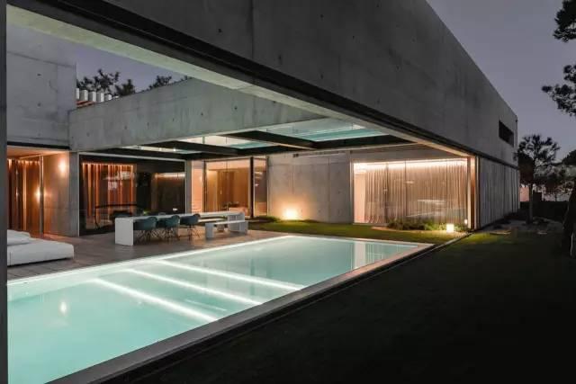 把屋顶设计成空中泳池,只有鬼才,才敢如此设计!_40