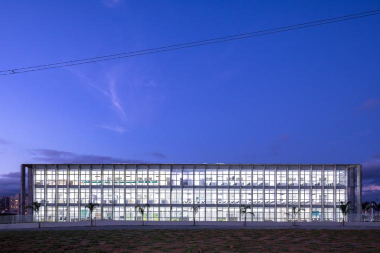 巴西安汉比莫隆比大学新建筑-1