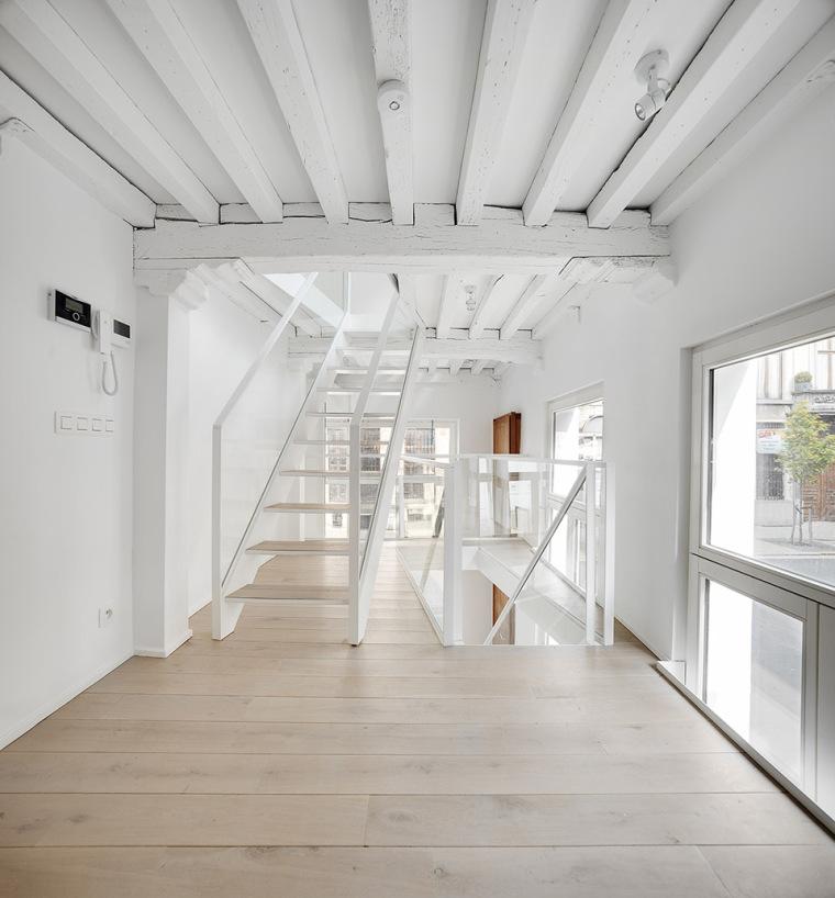 比利时一室小型酒店建筑内部实景图 (3)