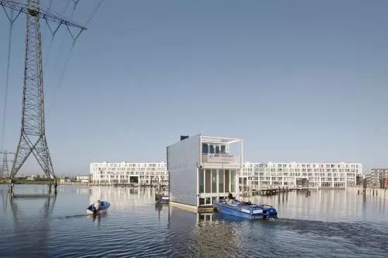世界上第一个漂浮的自然村