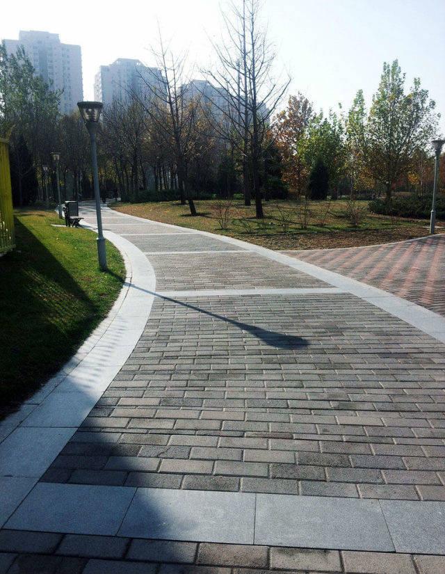 设计总必须掌握的:园路铺装九种形式!