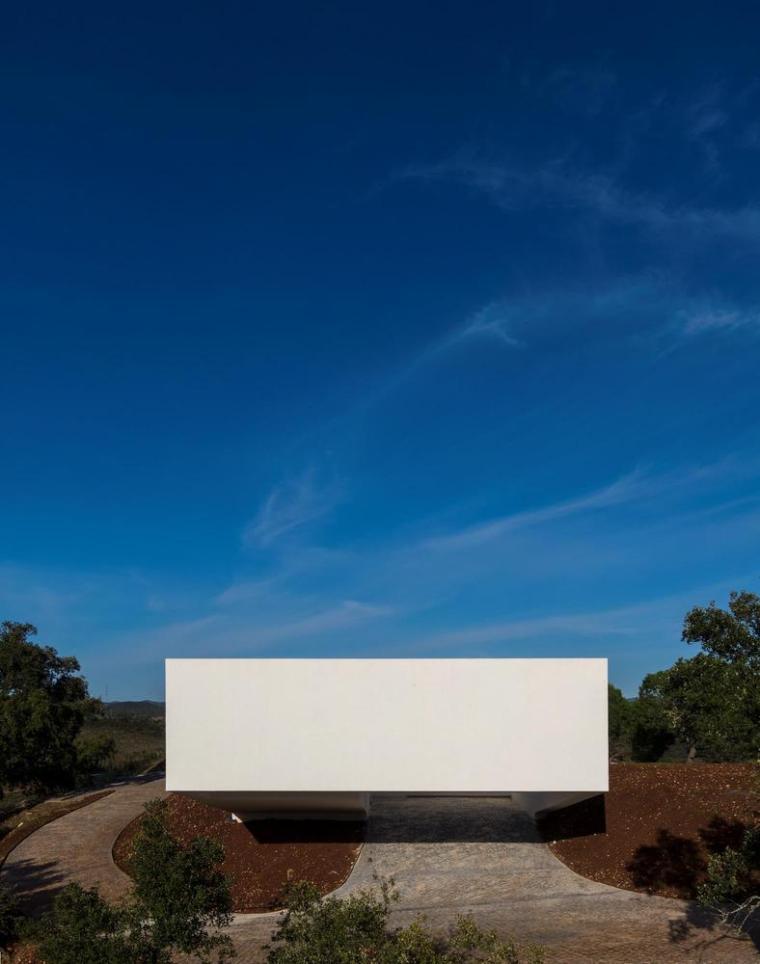 葡萄牙雕塑艺术般写意的住宅-1551071402805452