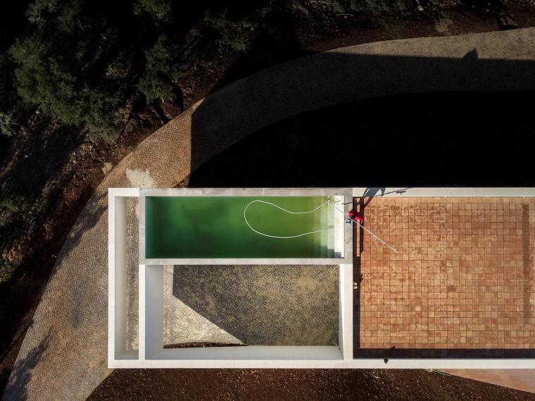 葡萄牙雕塑艺术般写意的住宅-1551071377447889