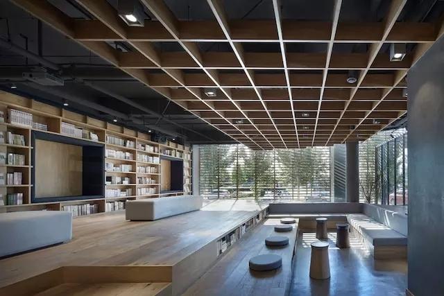 保定的这个新华书店,你还看得出来是个新华书店吗?-20161206_093909_029.jpg