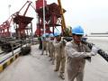 """南方电网首个""""港口岸电""""项目年减排二氧化碳五千多吨"""