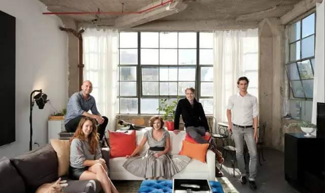 五个老友让毛坯房变豪宅,Loft合租房的疯狂改造