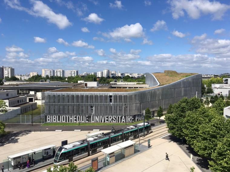 法国EdgarMorin大学图书馆