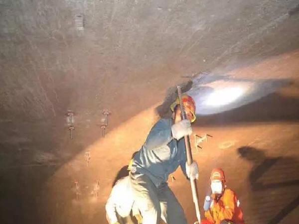 隧道二次衬砌背后脱空的防治