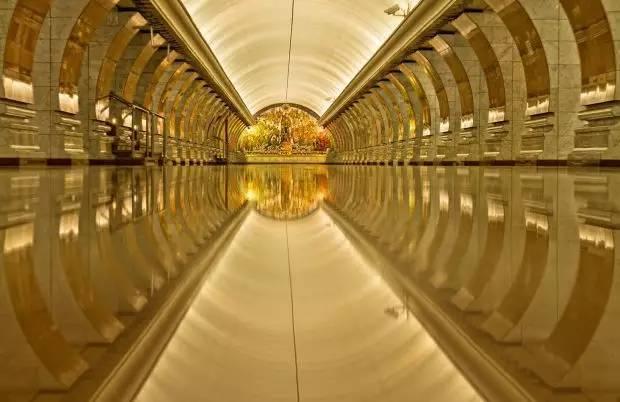 世界最美地铁景观,美到让你不想回家_20