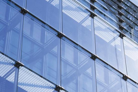 建筑玻璃幕墻的構造形式簡析論文_1