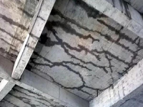 混凝土开裂与施工有关的十大原因!