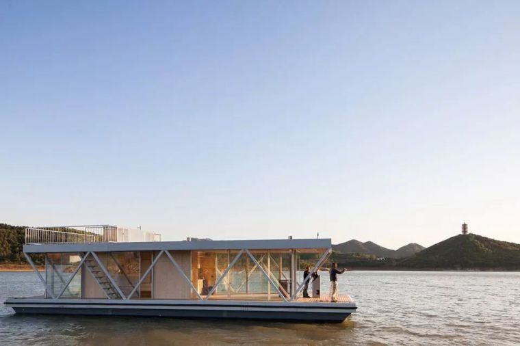 超美的水上筏式酒店設計,美出了新高度_31