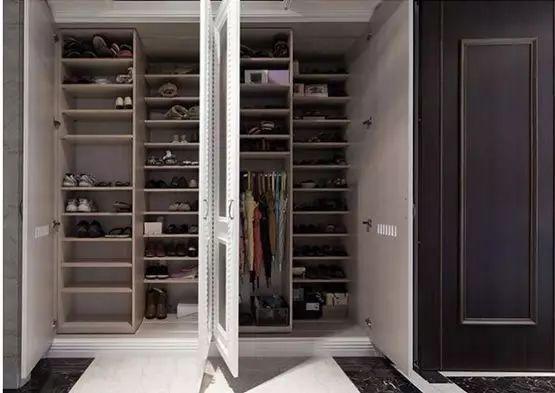 当购物狂魔遇上88双鞋子收纳,小户型如何逆袭大豪宅