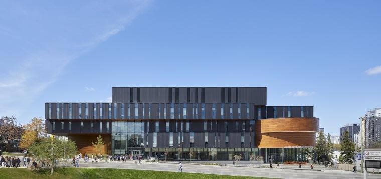 劳里埃大学拉扎里迪斯大楼外部实景图