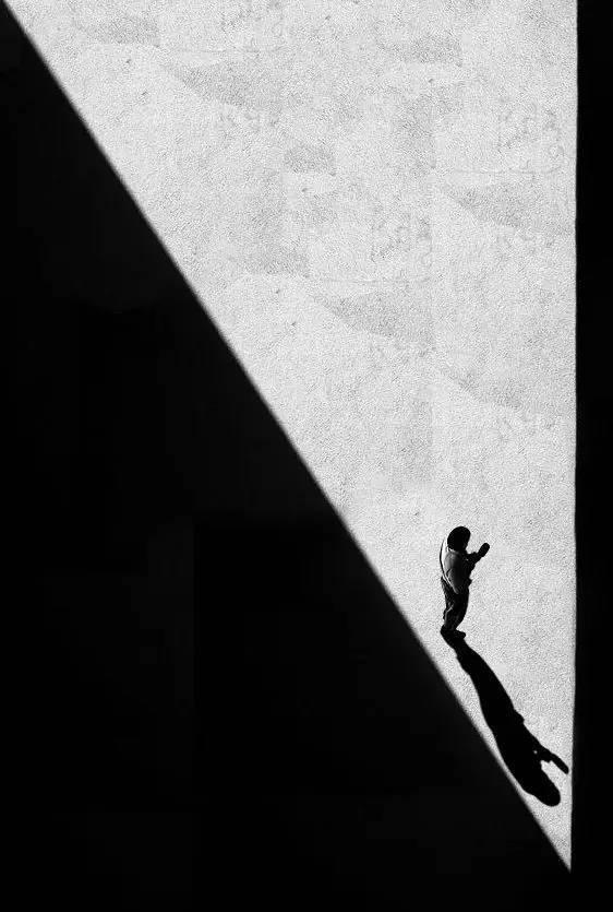 人与建筑,一首无言的诗。_12