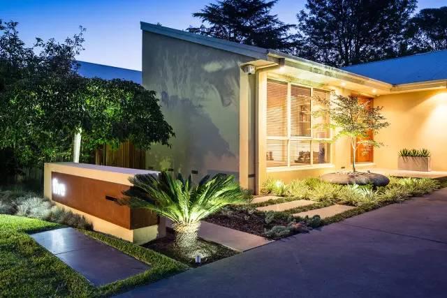 赶紧收藏!21个最美现代风格庭院设计案例_12