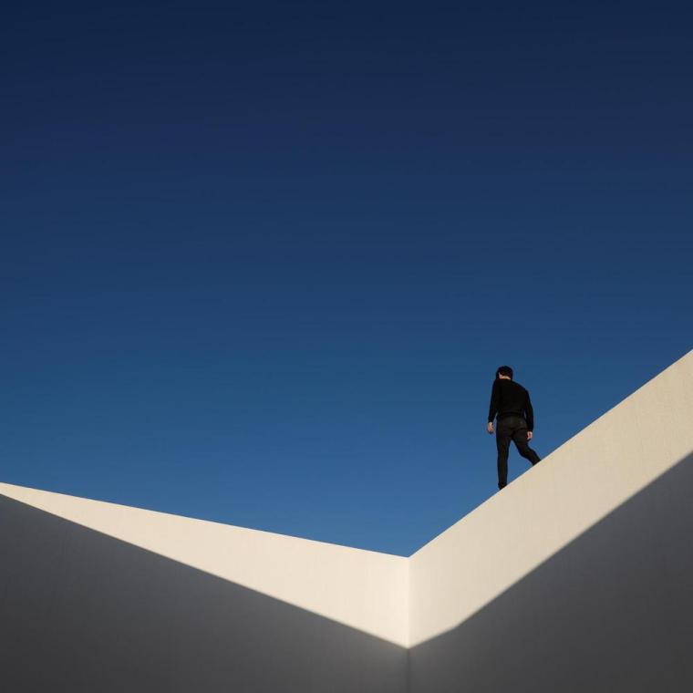 葡萄牙雕塑艺术般写意的住宅-1551071426811810