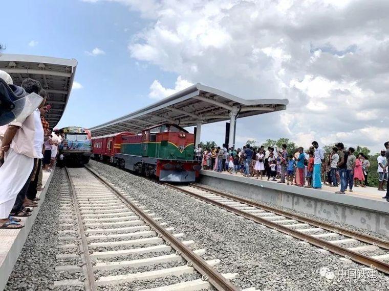 近百年后的第一条铁路,斯里兰卡选择了中国方案