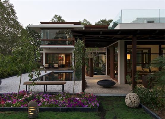 赏析欧式复古经典别墅庭院设计之美