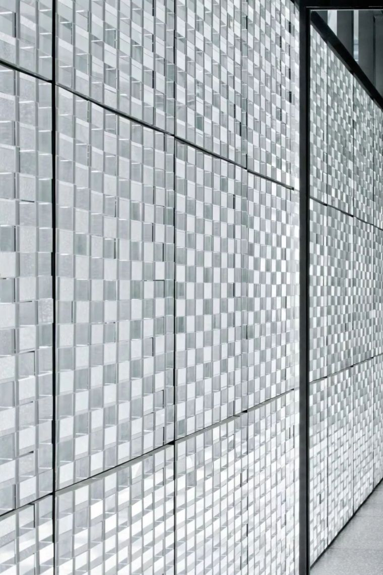 这种随处可见的材料,它凭什么成为奢侈品的代言人?-火遍全球的玻璃砖,这种网红材料究竟有何魔力?_12