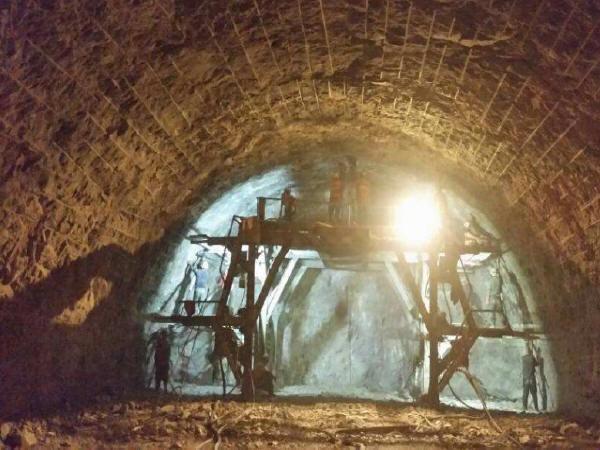 隧道喷射混凝土空洞缺陷的成因及处理方案
