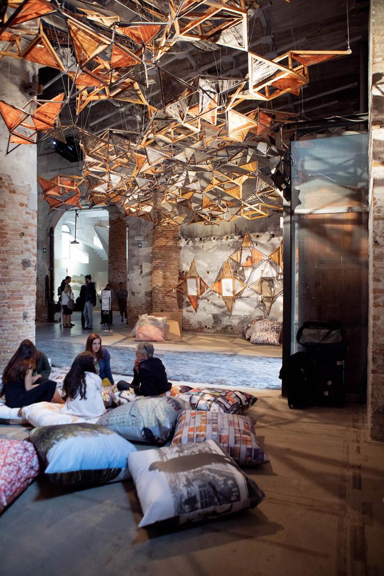 意大利建筑元素的编织艺术实景图 (2)