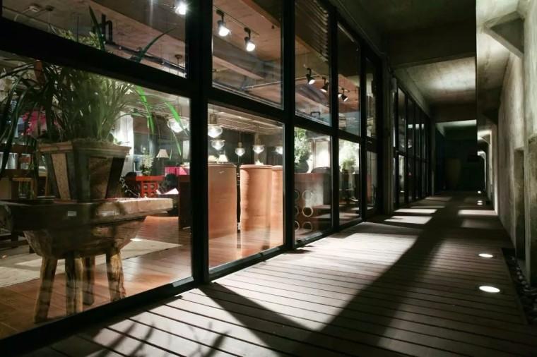 上海现代感的老场坊博览馆室内实景图 (10)