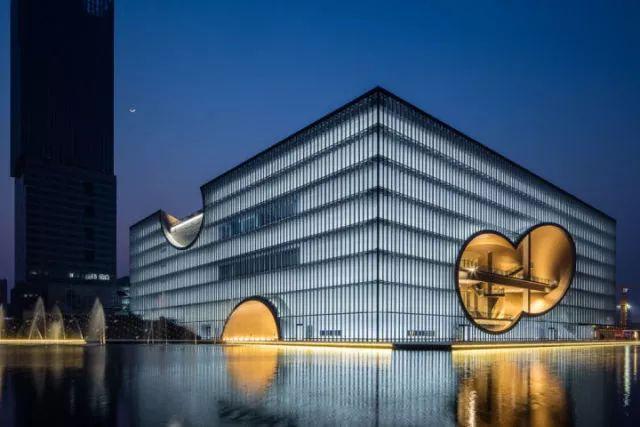 从半路出家到建筑大师,安藤忠雄设计的书店让你不想回家_22
