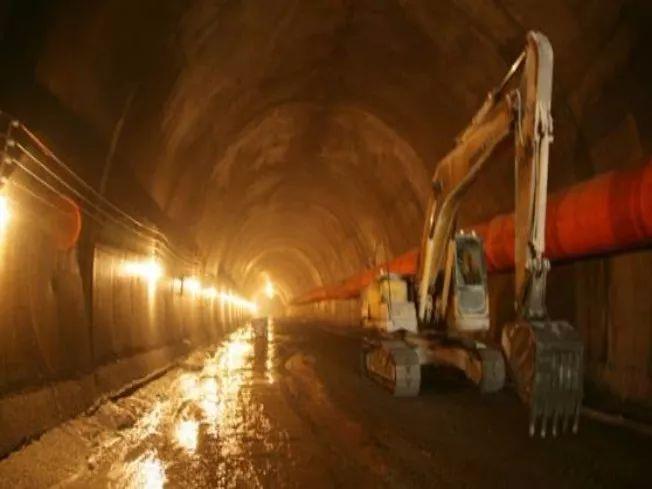 道路隧道工程中超前支护施工技术_7