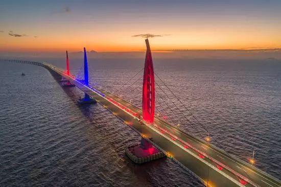 港珠澳大桥今正式开通盘点超级工程中的国企力量_8