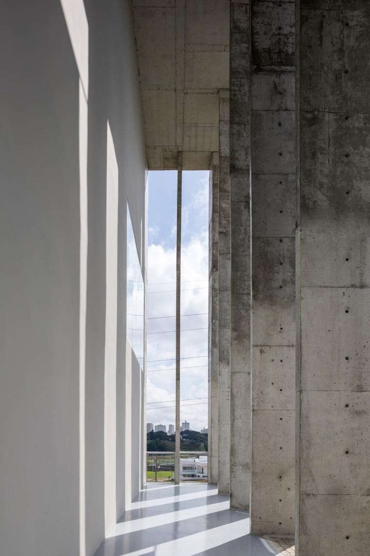 巴西安汉比莫隆比大学新建筑-18
