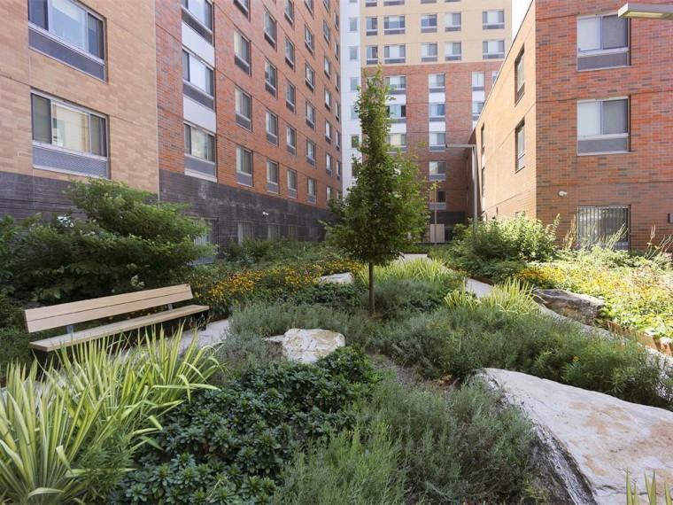 庭院庭院设计资料下载-纽约Compass住宅庭院