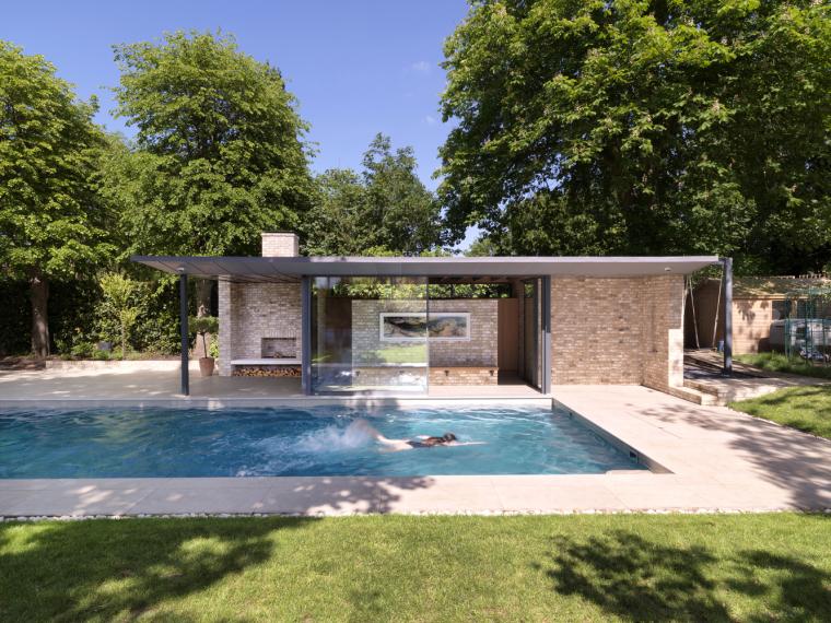 英国一对亭子和游泳池景观-2